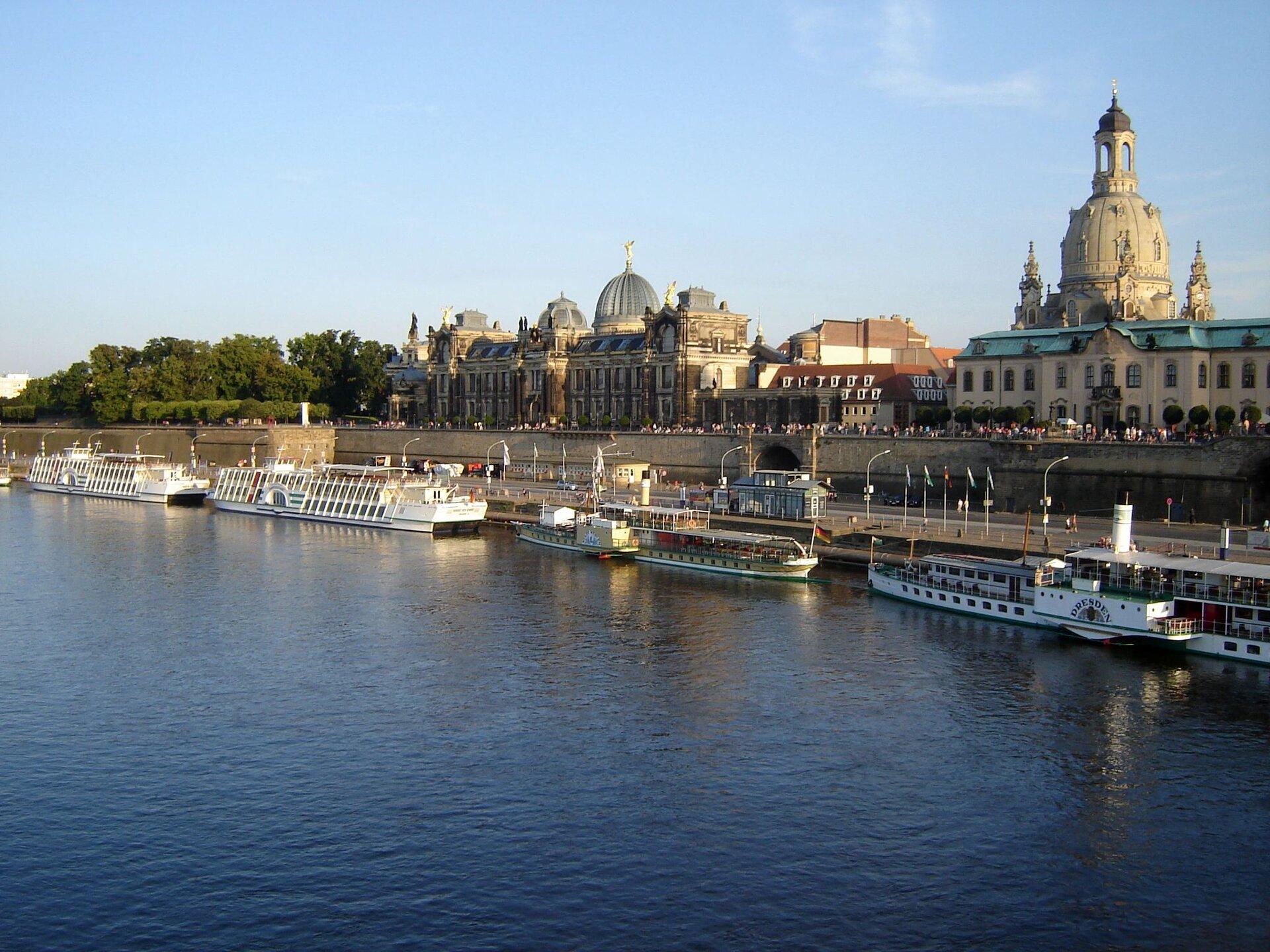 Dresden Brühlsche Terrasse Ferienwohnungen Barockviertel Zentrum